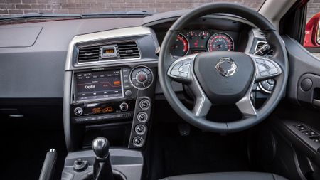 2016 Ssangyong Musso steering wheel
