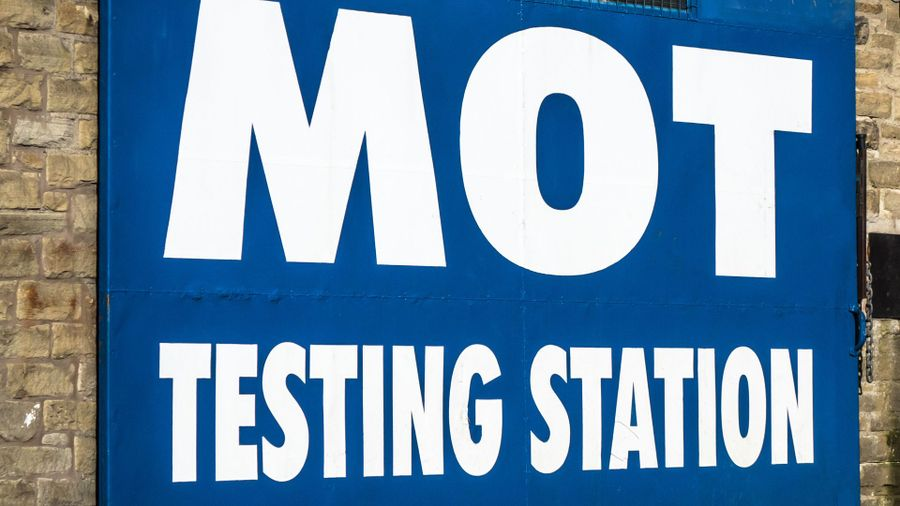 how much should i pay for an mot test auto trader uk. Black Bedroom Furniture Sets. Home Design Ideas