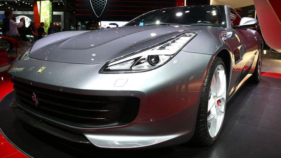 2017 Ferrari GTC4 Lusso T Paris Motor Show