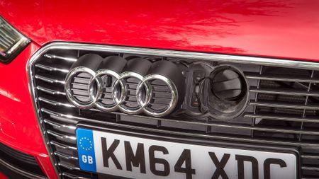 2014 Audi A3 Sportback e-tron plug socket