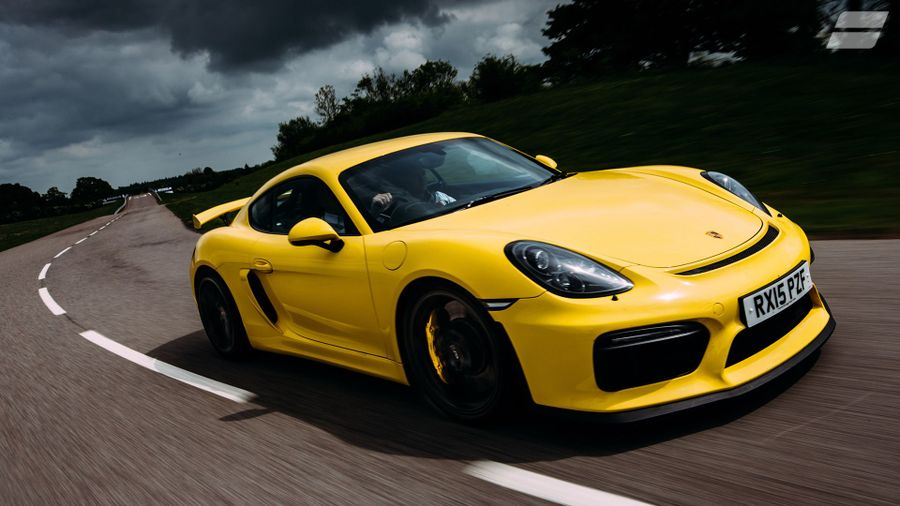 2015 Porsche Cayman GT4 head