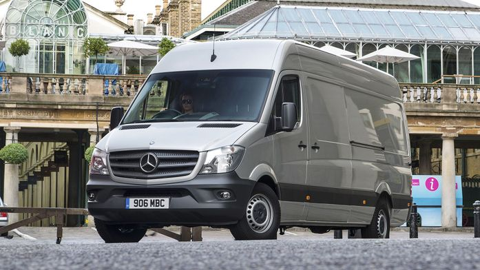 Mercedes-Benz Vans launches online service booking